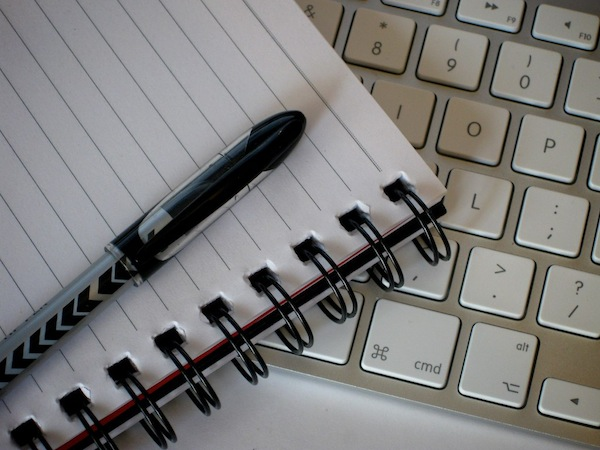 نوتس ورقية وإلكترونية