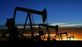 لماذا انهارت أسعار البترول عالمياً؟